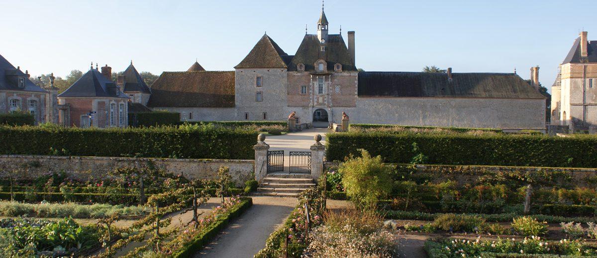 Tour de l Horloge - Chateau de la Bussière