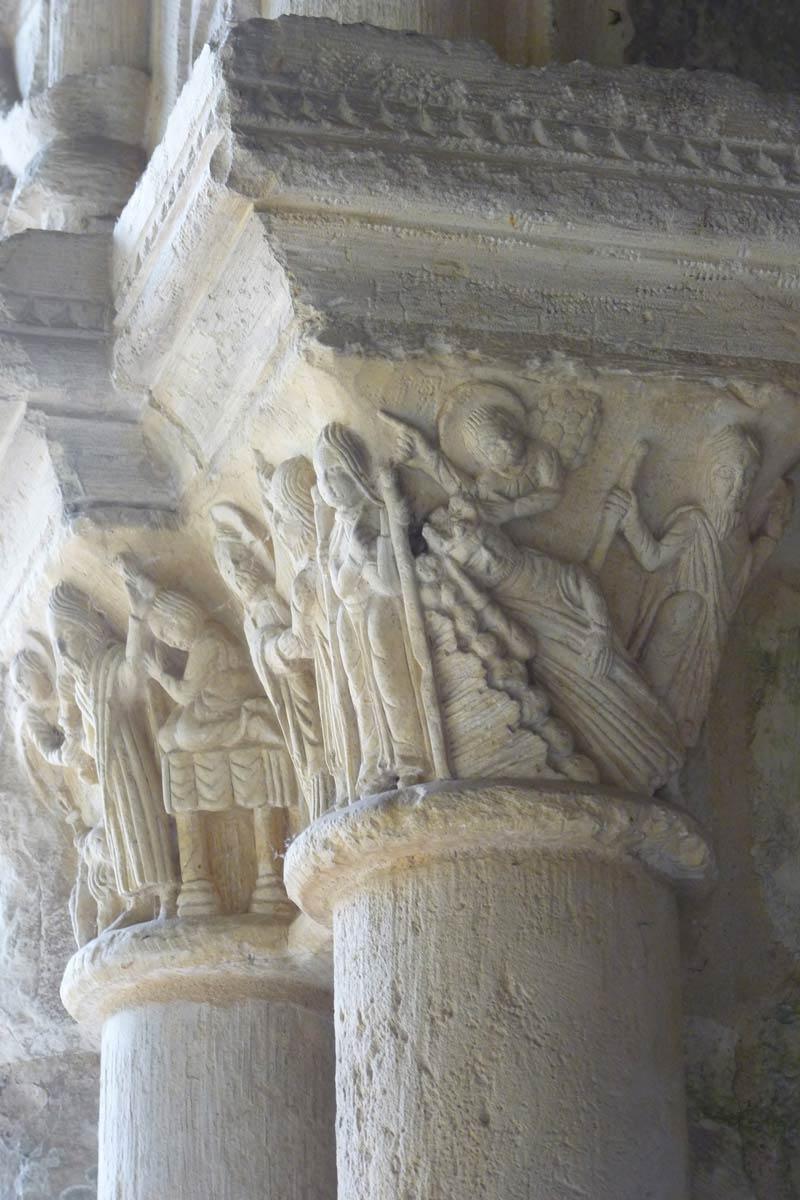 chapiteaux du cloître - Abbaye de Saint-Georges