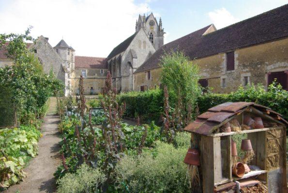 Journée de l'arbre et du cidre à Saint Cyr la Rosière : prieuré