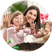 Jardiner avec les enfants : mère enfant