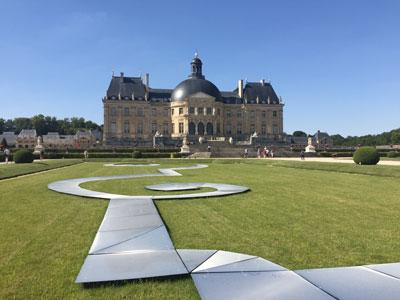 Vaux-le-Vicomte - plaques des Rubans et château