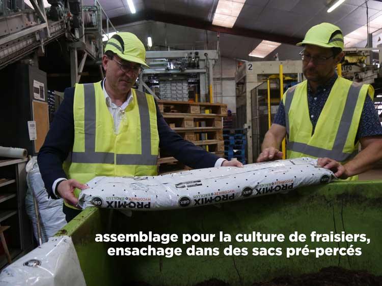 Terreau : Vincent Guillotin et Guillaume Roth - ensachage - Hortus Focus
