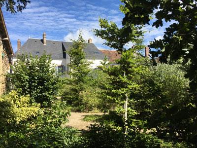 La Maison depuis le fond du jardin