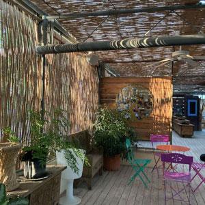 Le Labyrinthe aux 1000 fleurs : restaurant